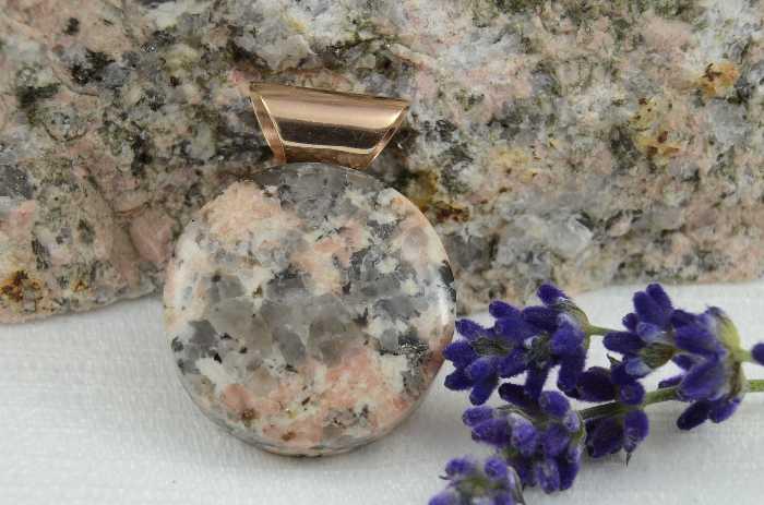 Anhänger Cabochon, Montanregion Erzgebirge, Zschorlauer Granit