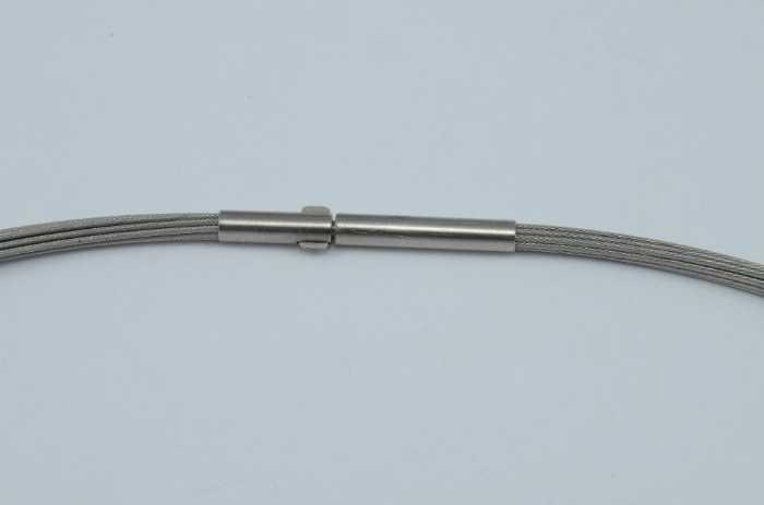 Stahlseilcollier und Anhänger Schiefer mit Pyrit